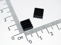 Маленький радиатор 8,8 * 8,8 * 5 мм (черный)