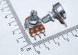 Переменный резистор 2КОм (потенциометр, короткая ручка 15 мм, диаметр 6мм)